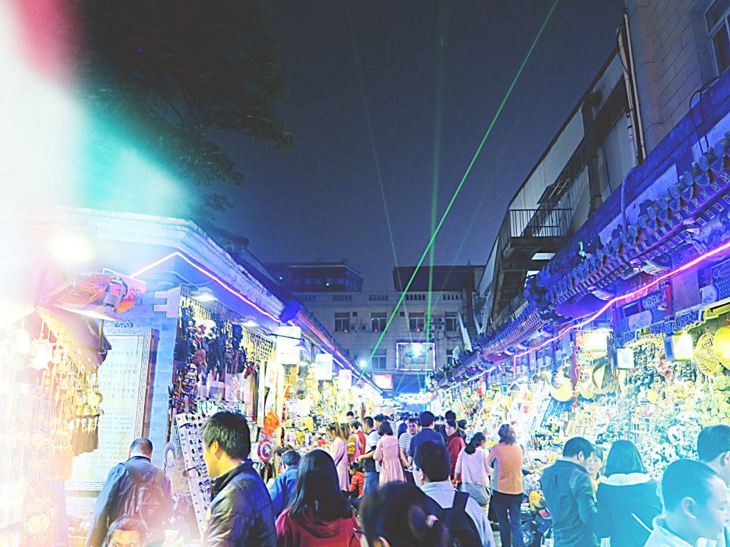 Le marché de nuit de Donghuamen