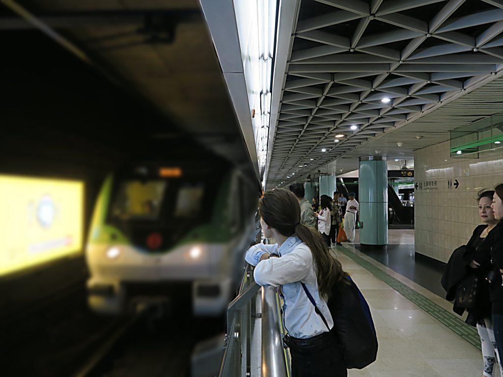 En attendant le métro
