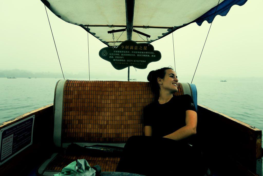 Laura sur la petite barque