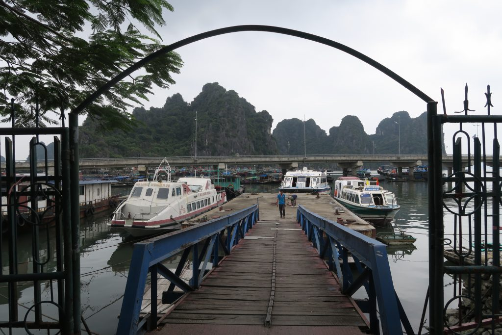 Yacht pour Quan Lan